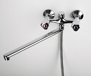 Смеситель в ванную WasserKRAFT Amper 2902L с длинным поворотным изливом